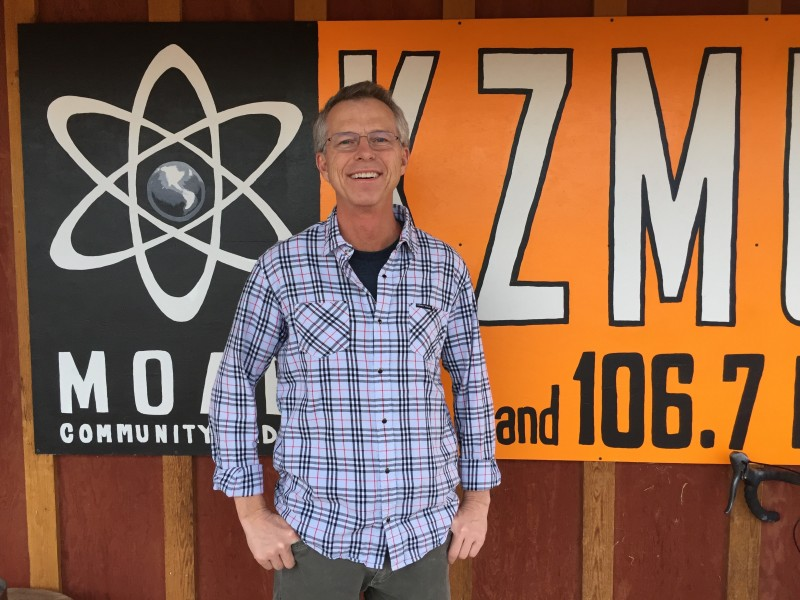 "KZMU Radio Book Club's first offering: Scott Graham's ""Yellowstone Standoff"""